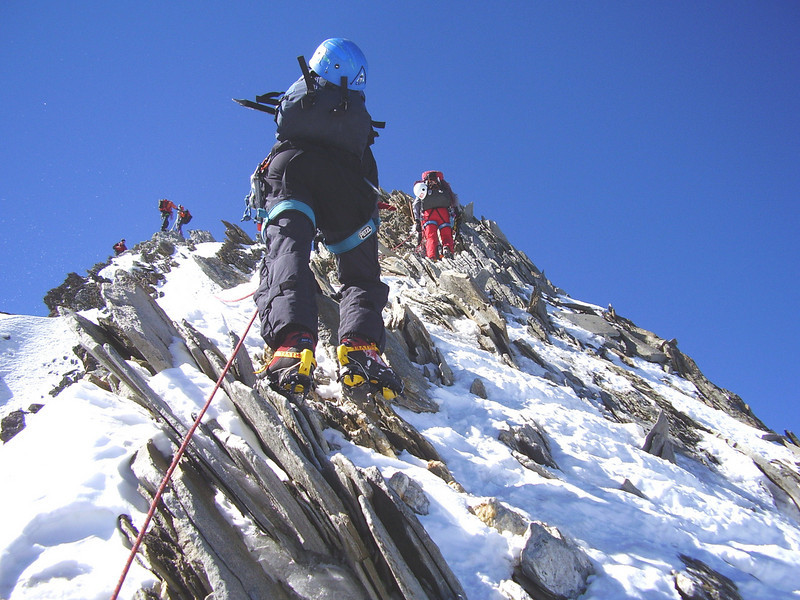 mount the summit of the Nadelhorn 4327m.