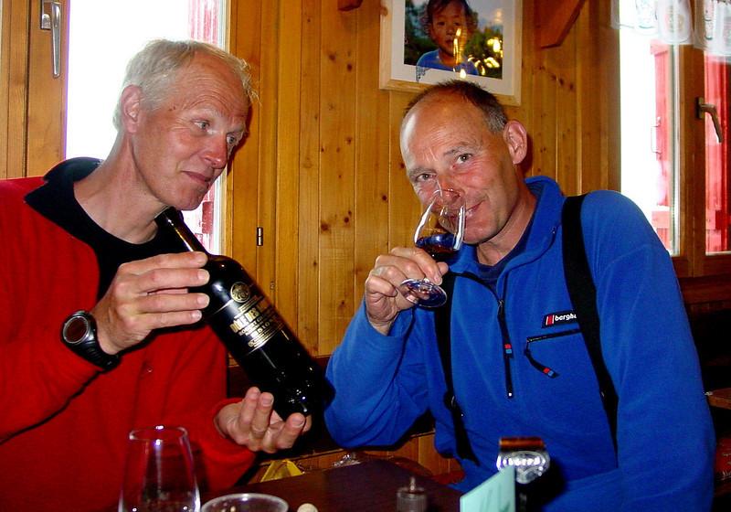 wine tasting with Rogier (Cabane des Dix 2928m.)