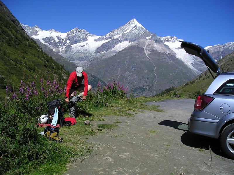 view:Zinalrothorn 4221m. and Weisshorn 4505m. (ascent to the Täsch hütte)