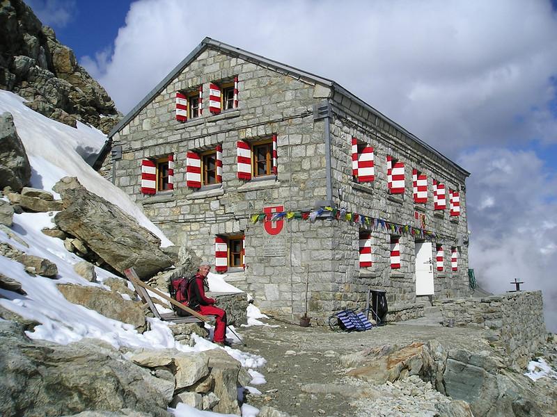 Rothorn hutte SAC 3210m.