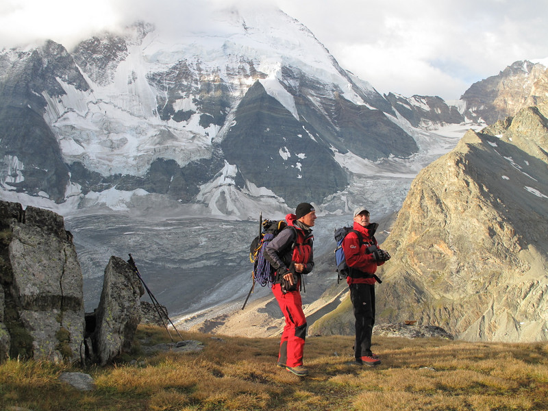 cloudy conditions, we make a low altitude trainings-tour (Schönbielhorn 3472m. Wallis 2009 Switzerland                                )