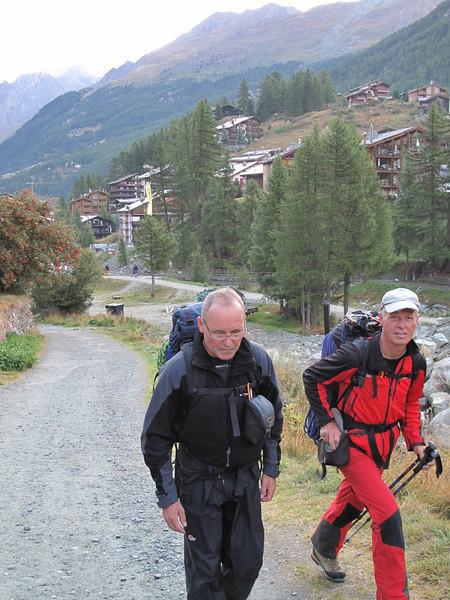 Route Zermatt 1672m. - Schönbielhütte 2684m. (Schönbielhorn 3472m. Wallis 2009 Switzerland                                )