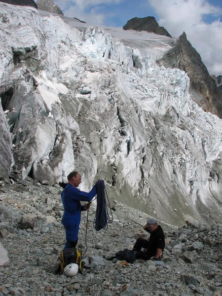 Finalising the climb near P. 3209m. (Schönbielhorn 3472m. Wallis 2009 Switzerland )