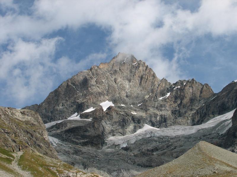 Ober Gabelhorn 4063m. (Schönbielhorn 3472m. Wallis 2009 Switzerland )