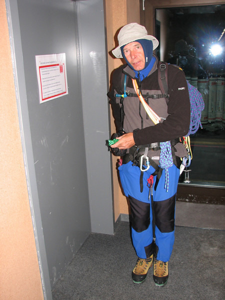 6.30 h we left the liftstation of the Klein Matterhorn 3817m. (Pollux 4092m. Wallis 2009, Switzerland  )