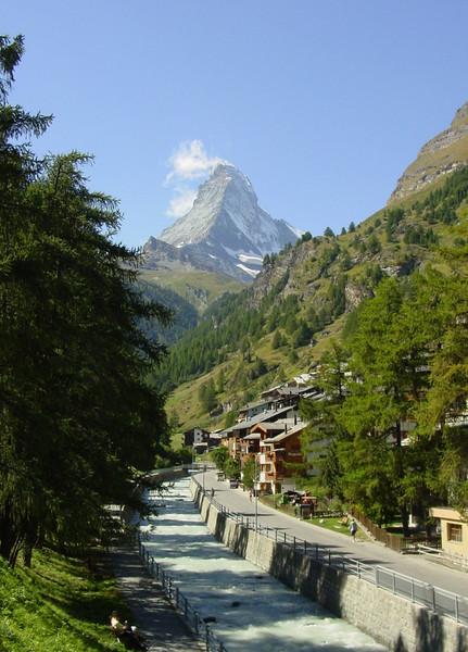 Zermatt and the Matterhorn 4478m. (Zermatt, Wallis 2009 Switzerland                                )