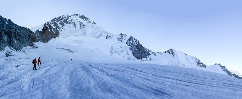 Domhütte 2940m-Festijoch 3723m