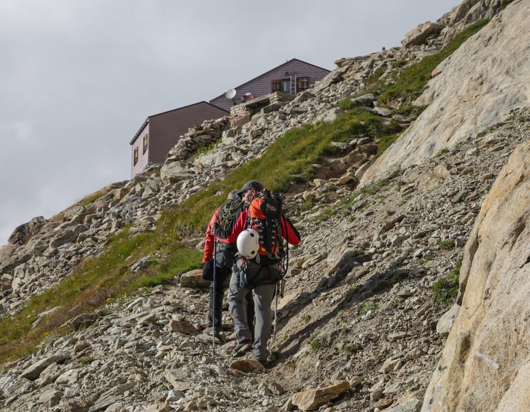 ascending Konkordiahütte SAC 2850m