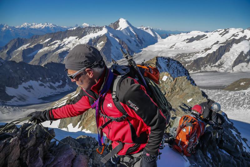 Summit Grünegghorn (3860m)