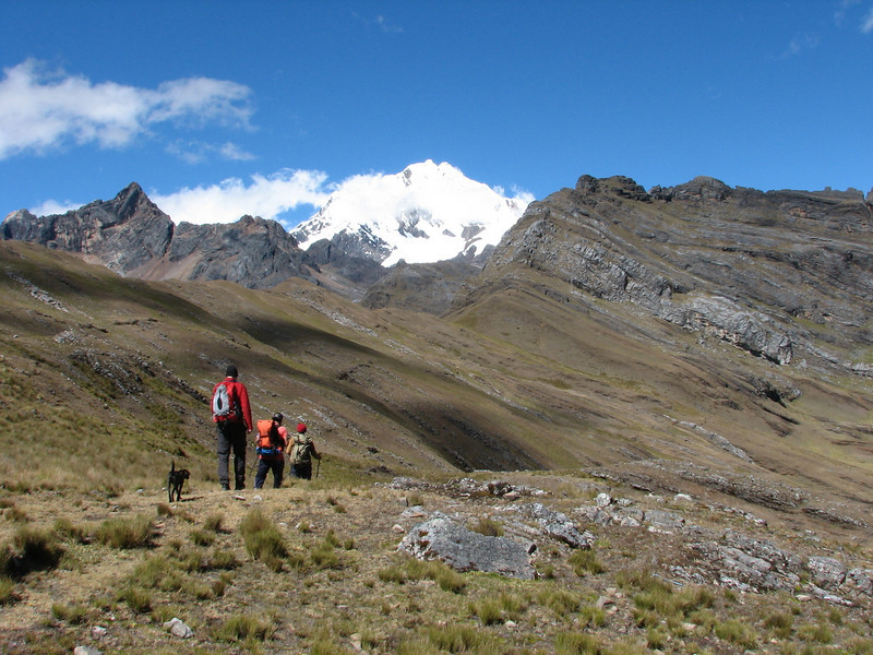 descent the Collota 4360m.pass (Peru 2009, Yuraj Machay 4000m. - Collota 4360m.pass - Safunna 4150m. Cordillera Blanca)