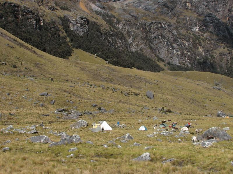 Campground 3, Tuctapampa 4100m. (Peru 2009, Tuctupampa 4100m. Cordillera Blanca)