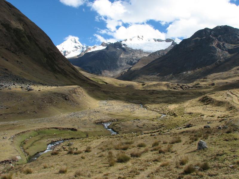 landscape (Peru 2009, Safuna 4150m. - Lakes Safuna - Mesapata pass 4460m - underneath Gara Gara pass 4550m. Cordillera Blanca)