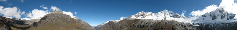panorama Cordillera Blanca (Peru 2009,  Taullipampa 4250m. - Punto Union 4760m - Tuctupampa 4100m. Cordillera Blanca)