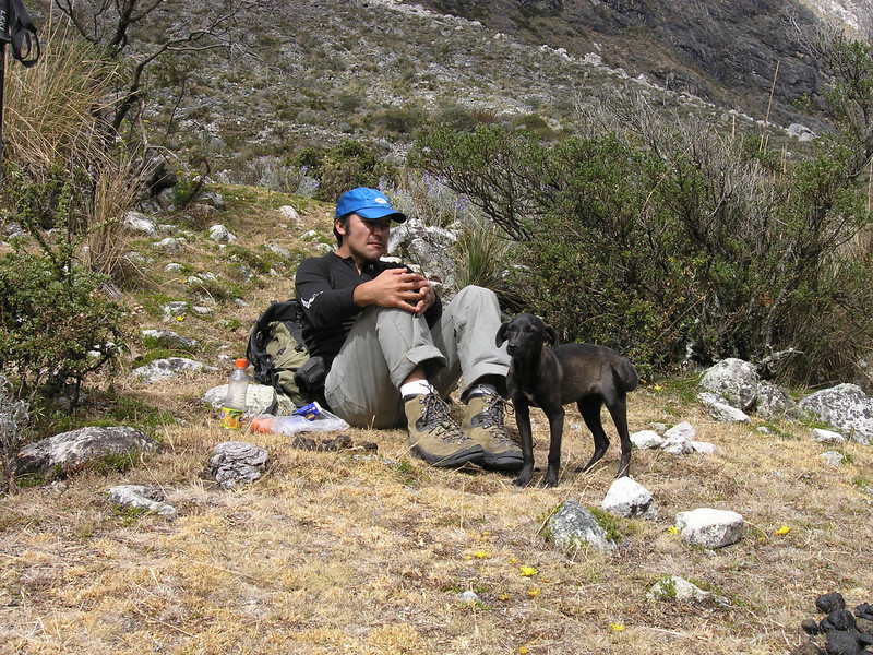 Our guide Edwin and the dog we called Hoover (Peru 2009, Llamacoral 3750m. - Taullipampa 4150m. Cordillera Blanca)