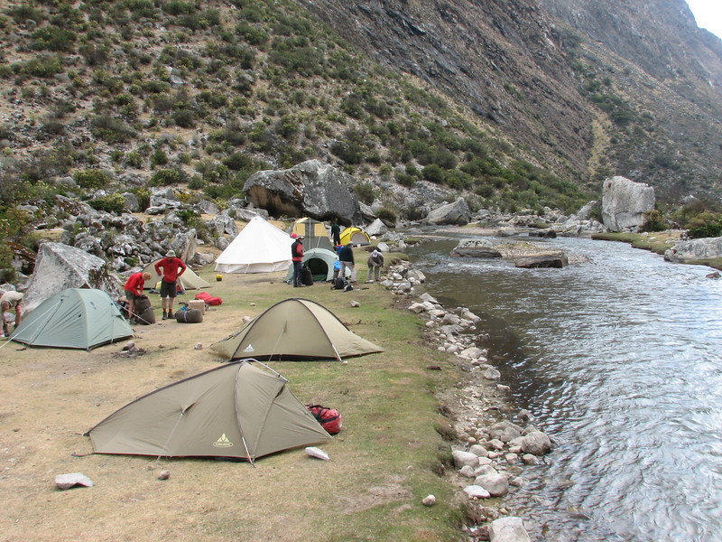 campground 1, Llamacoral 3750m. (Peru 2009, Llamacoral 3750m. Cordillera Blanca)