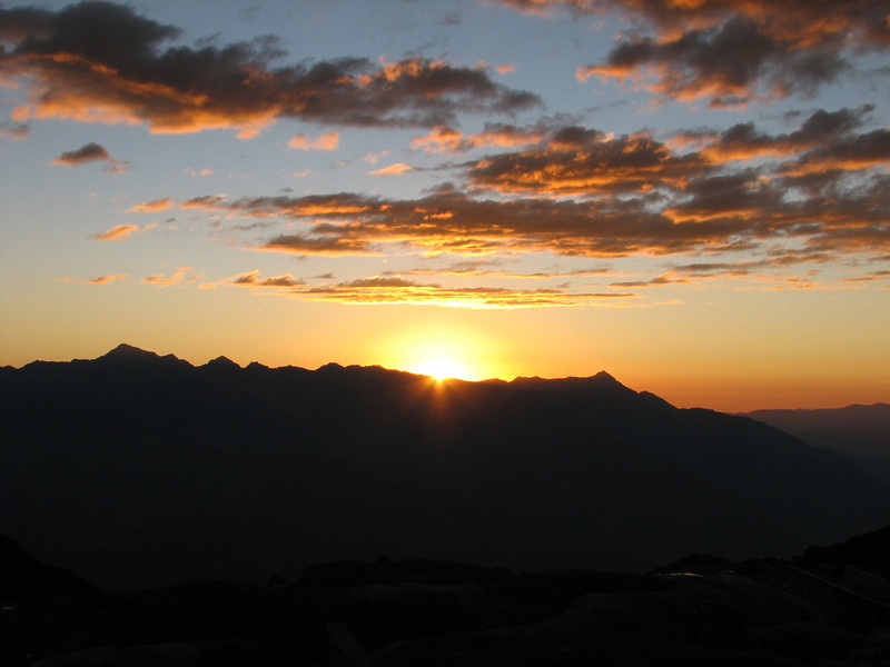 sunset in the West of the Cordillera Negra (Peru 2009, Lake Cullicocha 4628m. Cordillera Blanca)