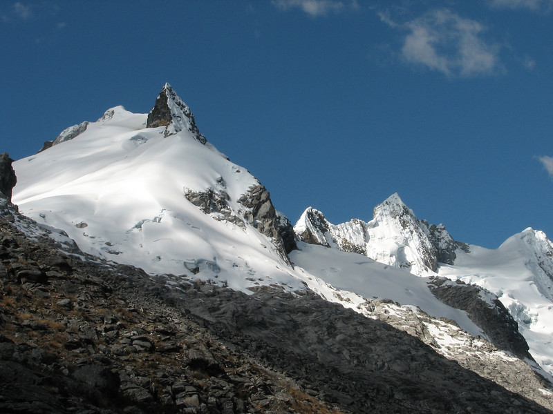 Osururi pass 4860m.  (Peru 2009, Jancarurish 4250m. - Vientuna pass 4770m. - Osururi pass 4860m. - Lake Cullicocha 4628m. Cordillera Blanca)