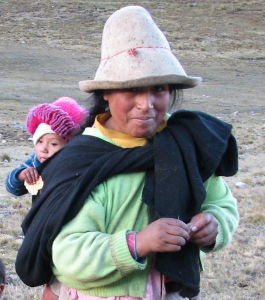 mother and daughter (Peru 2009, Yuraj Machay 4000m. Cordillera Blanca)