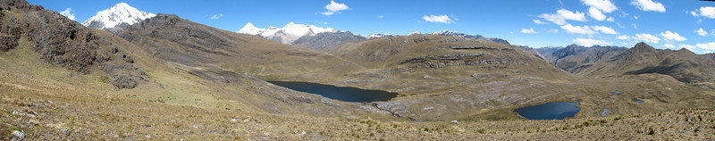 panorama North side of the Cordillera Blanca (Peru 2009, Yuraj Machay 4000m. - Collota 4360m.pass - Safunna 4150m. Cordillera Blanca)