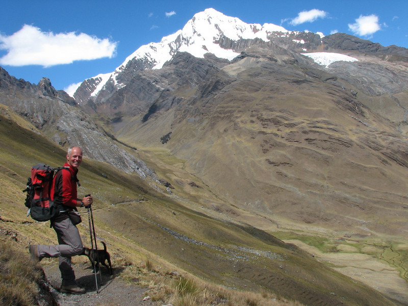 Marijn and Hoover (Peru 2009, Yuraj Machay 4000m. - Collota 4360m.pass - Safunna 4150m. Cordillera Blanca)