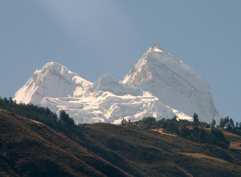 view from Caraz: the Huandoy 5840m. (Peru 2009, Caraz 2290m. Cordillera Blanca)