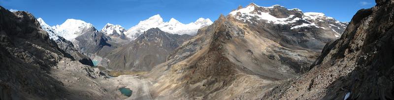 panoramaview from the Gara Gara pass 4830m. (Peru 2009,  underneath Gara Gara pass 4550m. - Gara Gara pass 4830m. - Iancarurish 4250m. Cordillera Blanca)