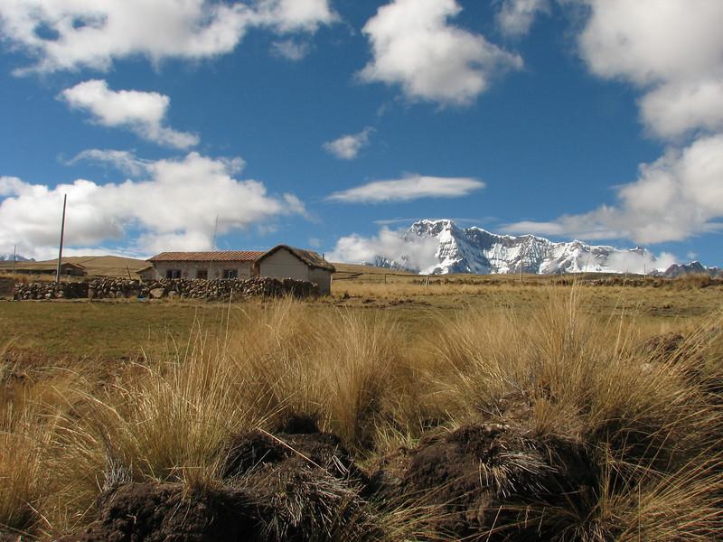 farmhouse (Peru 2009, Tinqui 3900m - Upispampa 4450m. Auzangate)