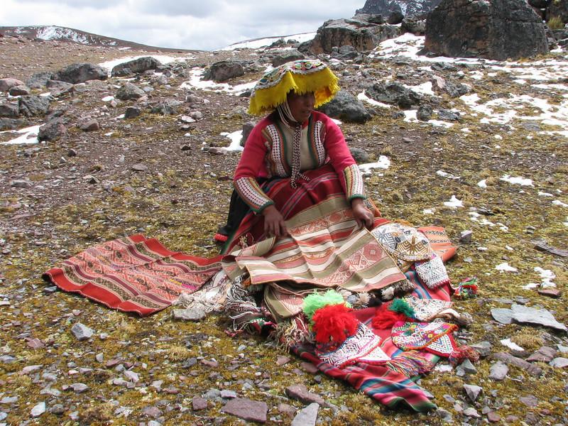 local women selling selfmade products (Peru 2009, Teclla cocha 4800m - Abra Campo Pass 5030m - Pacchanta 4300m.  Auzangate )