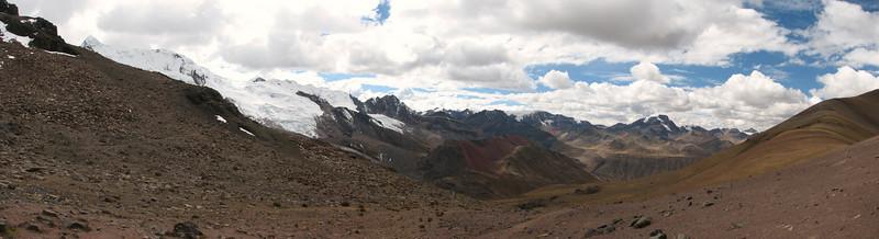 panorama landscape (Peru 2009, Auzangatecocha 4670m - Palomapass 5130m - Cerro Puca Punta 4480m - Teclla cocha 4800m. Ausangate)