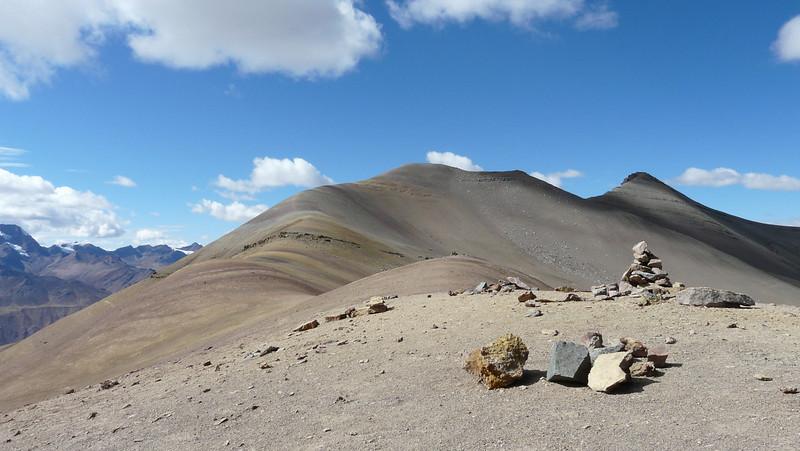 semi desert landscape (Peru 2009, Auzangatecocha 4670m - Palomapass 5130m - Cerro Puca Punta 4480m - Teclla cocha 4800m. Ausangate)