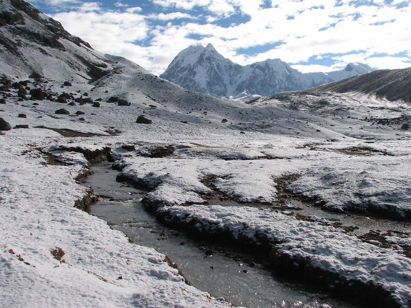 Nevado Colqur Cruz (Peru 2009, Teclla cocha 4800m - Abra Campo Pass 5030m - Pacchanta 4300m.  Auzangate )