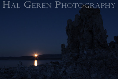 Moonrise over the Tufa Mono Lake, Calfornia 1310S-MT11M