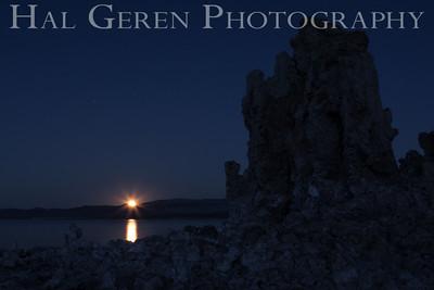 Moonrise over the Tufa Mono Lake, Calfornia 1310S-MT11M