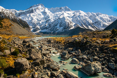 Hiking the Hooker Valley track