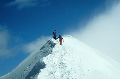 Summit of Parrotspitze (4.432m), Monte Rosa, Italy