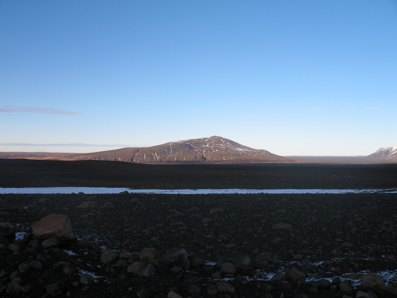 Strútur viewed from the Kaldidalur mountain road.