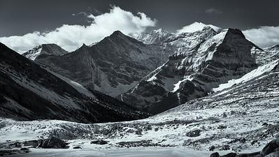 l to r, Mt Jellicoe (bg), Mt Smith Dorrien (fg), Mt French (bg w ridge) and Mt Murray (fg).