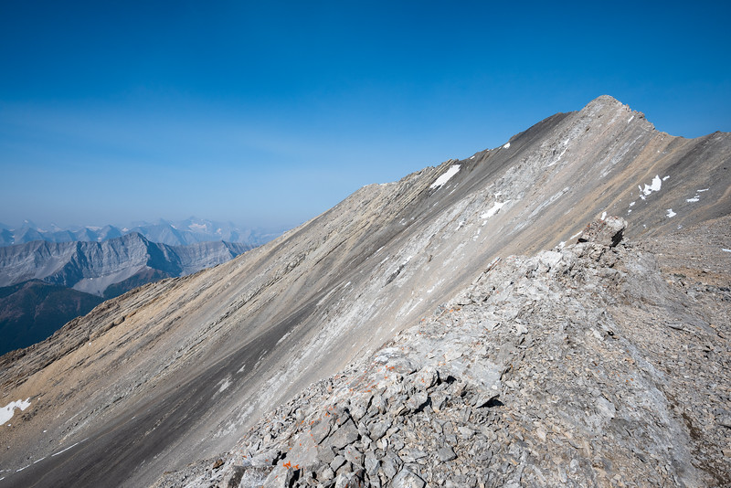 First look at Mist's summit ridge.  tbh, it looks a little intimidating, my approach will be from the right along the ridge and I'm hoping to descend along the darker rock line.. it looked pretty steep from here.