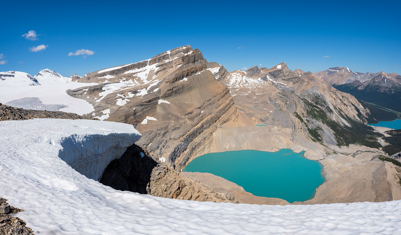 A view of Iceberg lake from the top of the Onion. on the left is Mt Thompson and (inline so it's hard to spot) Portal mountain. Towards the right is Jimmy Simpson.