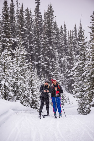 Tara and Sonja in the snow.