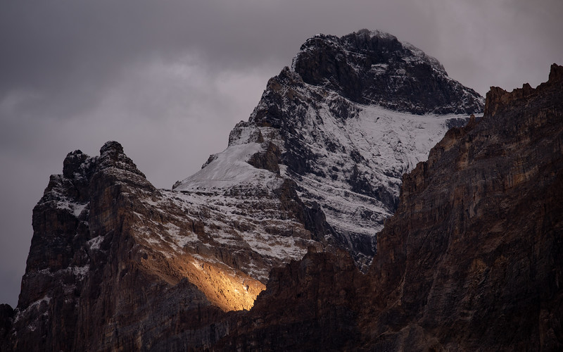 A bit of light is cradled by Mount Biddle.