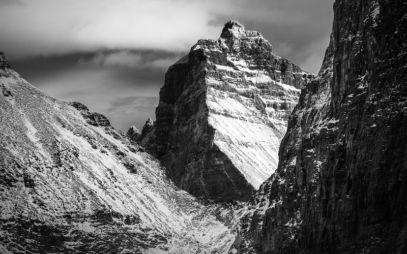 Neptuak and Deltaform stand tall on the other side of the pass.
