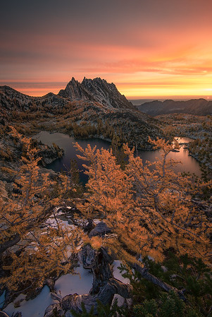 An incredible sunrise in The Enchantments - Washington