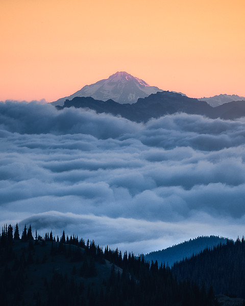 Sunrise above the clouds - MRNP, Washington