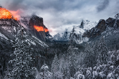 Last light of the day hits El Cap after a snow storm - Yosemite, California