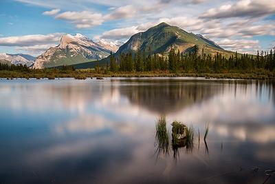 Mount Rundle visto desde Vermilion Lake