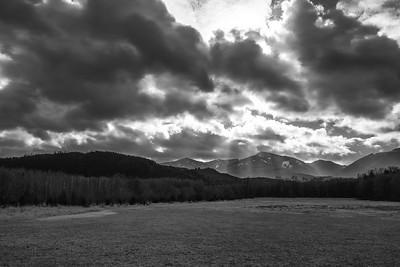 Sunrays on Round Mountain