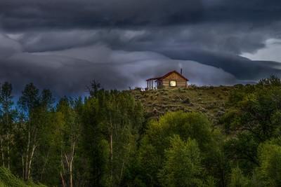 Mountain hide-a-way, Shields River, Montana