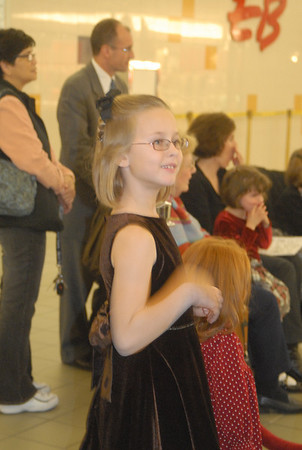 Maddie's Recital and pics Moor Mall 12-08