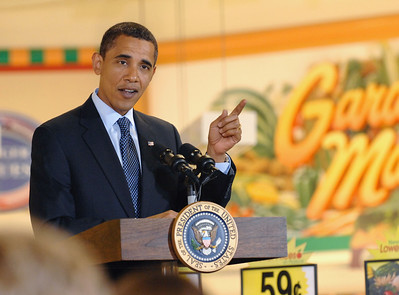 Photo Earl Neikirk/Bristol Herald Courier  President Barack Obama talks to employees at the Bristol, Va. Kroger during a townhall meeting on Wednesday, July 29, 2009.